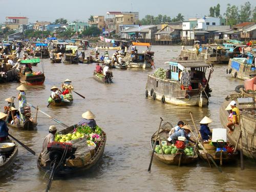 Mekong-floating-4
