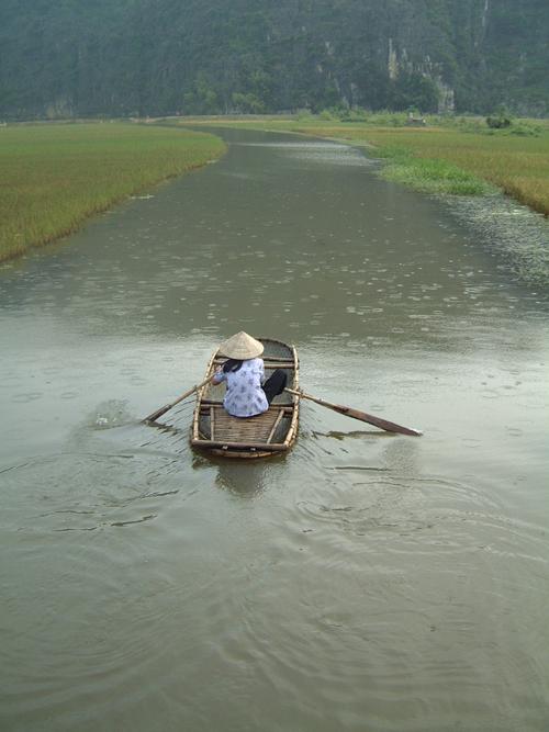 Sampan in the Rain 1